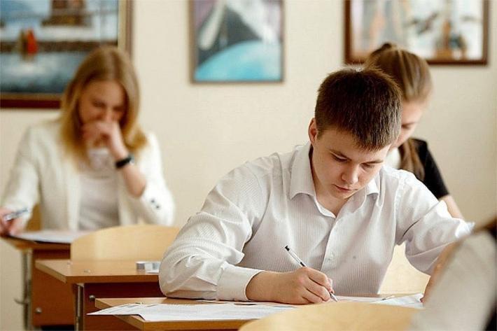 На сайте Минобразования разместят задания для школьных экзаменов