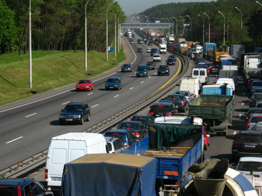 Минтранс предлагает отвязать уплату дорожного сбора от техосмотра