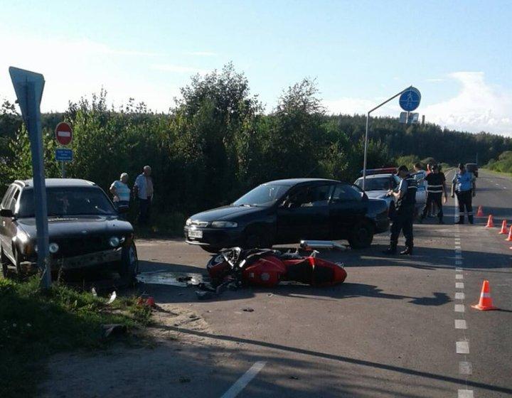 Под Волковыском мотоциклист вылетел на пешеходную дорожку