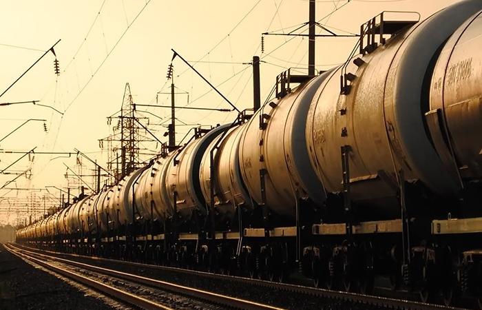 Россия перестанет поставлять в Беларусь дизтопливо, бензин и мазут