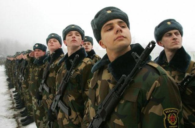В Беларуси срочники и резервисты могут получить льготы при поступлении в ВУЗы