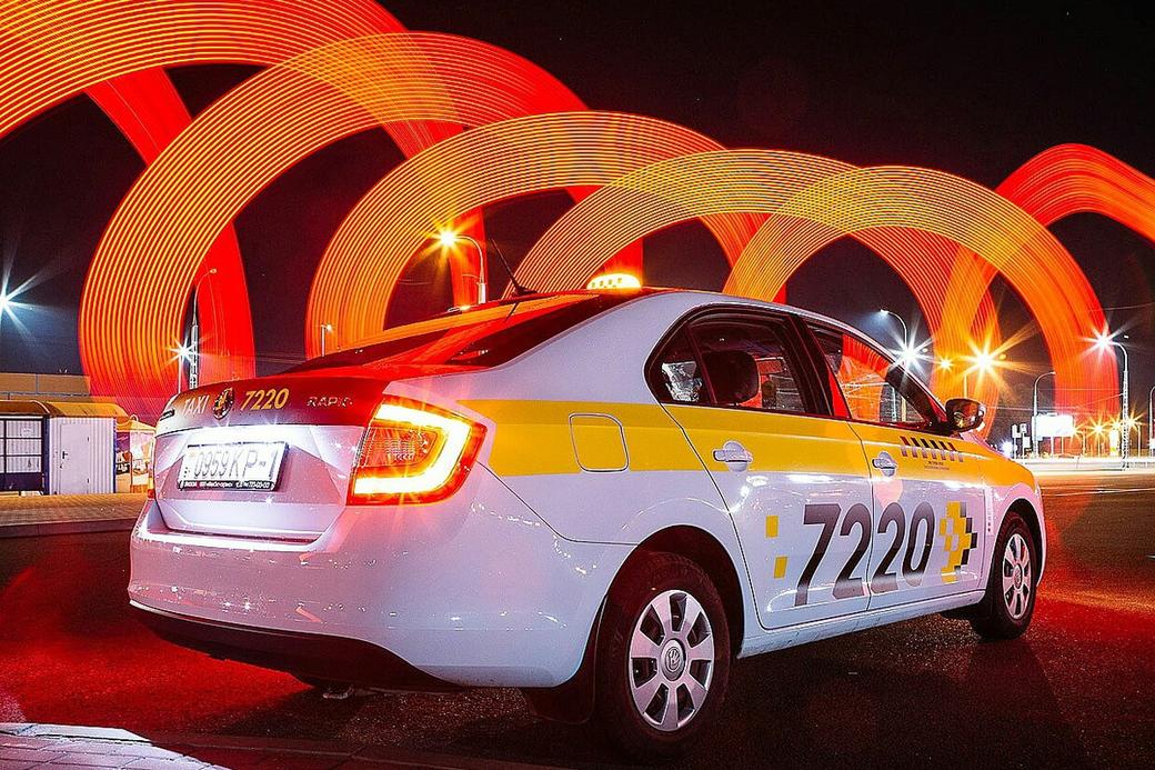 В Лиде водитель такси принял роды у пассажирки прямо в автомобиле