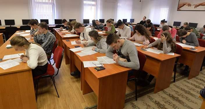 В Беларуси хотят ввести национальный экзамен, объединив выпускную и вступительную кампании