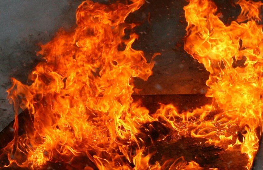 Мужчина погиб на пожаре в Лидском районе
